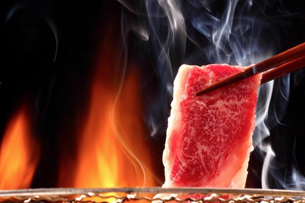 炙り焼きした牛肉はなぜ美味しいのか?焼肉店で食べる炙り焼肉サムネイル